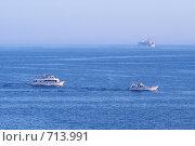 Красное море, синее небо, белый пароход (2007 год). Редакционное фото, фотограф Маргарита Герм / Фотобанк Лори