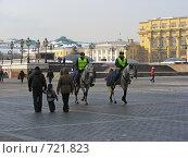 Купить «Москва. Конная милиция на Манежной площади», эксклюзивное фото № 721823, снято 24 февраля 2009 г. (c) lana1501 / Фотобанк Лори