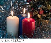 Купить «Три горящих свечи. Новогодняя тема», фото № 723247, снято 25 февраля 2009 г. (c) Кирпинев Валерий / Фотобанк Лори