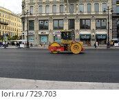Купить «Укладка асфальта», фото № 729703, снято 13 июля 2008 г. (c) Светлана Кудрина / Фотобанк Лори