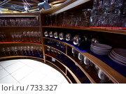 Купить «За барной стойкой», фото № 733327, снято 29 мая 2008 г. (c) Дмитрий Ощепков / Фотобанк Лори