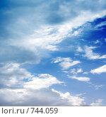 Купить «Абстрактное изображение облаков на голубом небе», фото № 744059, снято 14 августа 2018 г. (c) Андрей Бурдюков / Фотобанк Лори