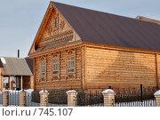 Строящийся деревянный дом на кирпичном фундаменте, г. Оренбург, Национальная деревня (2009 год). Стоковое фото, фотограф Кузькин Владимир / Фотобанк Лори