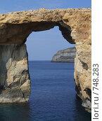 Природная каменная арка на острове Гозо - Окно Азурро, Мальта (2005 год). Стоковое фото, фотограф Елена Денисенко / Фотобанк Лори