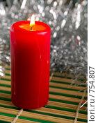 Купить «Красная свеча», фото № 754807, снято 26 февраля 2009 г. (c) Кирпинев Валерий / Фотобанк Лори