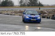 Купить «Спортивная машина на треке», фото № 763755, снято 25 февраля 2009 г. (c) Никончук Алексей / Фотобанк Лори