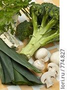 Купить «Ингредиенты для супа-пюре из брокколи», фото № 774827, снято 25 февраля 2009 г. (c) Лисовская Наталья / Фотобанк Лори