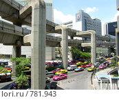 Купить «Центр мегаполиса.Метро, разноцветные такси, небоскребы. г.Бангкок», фото № 781943, снято 18 марта 2009 г. (c) Колчева Ольга / Фотобанк Лори