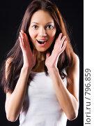 Купить «Восхищенная девушка», фото № 796859, снято 8 января 2009 г. (c) chaoss / Фотобанк Лори