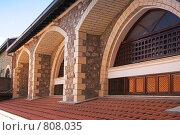 Купить «Оконные арки старого монастыря», фото № 808035, снято 11 июня 2006 г. (c) Харитонова Ольга / Фотобанк Лори