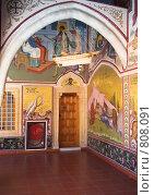 Купить «Монастырский коридор с росписью», фото № 808091, снято 11 июня 2006 г. (c) Харитонова Ольга / Фотобанк Лори