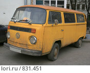 Купить «Микроавтобус Фольксваген», фото № 831451, снято 25 апреля 2009 г. (c) АЛЕКСАНДР МИХЕИЧЕВ / Фотобанк Лори