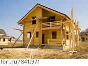 Купить «Строительство загородного дома», фото № 841971, снято 28 апреля 2009 г. (c) Миняева Ольга / Фотобанк Лори