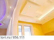 Купить «Потолок с подсветкой», фото № 856111, снято 16 января 2009 г. (c) Raev Denis / Фотобанк Лори
