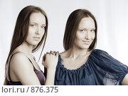 Купить «Девушки-близнецы», фото № 876375, снято 2 апреля 2009 г. (c) Кувшинников Павел / Фотобанк Лори