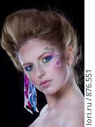 Девушка с нарисованным цветком на лице. Стоковое фото, фотограф Кувшинников Павел / Фотобанк Лори