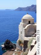 Купить «Церковь высоко над морем. Остров Санторини», эксклюзивное фото № 880319, снято 11 августа 2008 г. (c) Яна Королёва / Фотобанк Лори