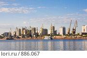 Химкинское водохранилище. Северный речной порт. Москва (2009 год). Редакционное фото, фотограф Николай Коржов / Фотобанк Лори