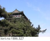 Китай. Башня на фоне неба (2008 год). Стоковое фото, фотограф Александр Солдатенко / Фотобанк Лори