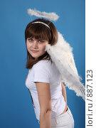 Купить «Портрет девушки в костюме ангела», фото № 887123, снято 3 мая 2009 г. (c) Евгений Батраков / Фотобанк Лори