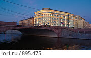 Купить «Вечерний вид на Малый Москворецкий мост, Москва», эксклюзивное фото № 895475, снято 30 мая 2009 г. (c) Давид Мзареулян / Фотобанк Лори