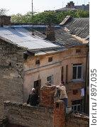 Купить «Печник и ... печник», фото № 897035, снято 29 сентября 2008 г. (c) Igor Kornienko / Фотобанк Лори