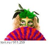 Купить «Таинственная девушка в маске с веером», фото № 911259, снято 7 июня 2009 г. (c) Сергей Новиков / Фотобанк Лори