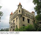 Замок графа Храповицкого в Муромцево. Стоковое фото, фотограф Ирина Золина / Фотобанк Лори