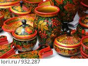 Купить «Сувениры в стиле хохлома», фото № 932287, снято 20 июня 2009 г. (c) Gagara / Фотобанк Лори
