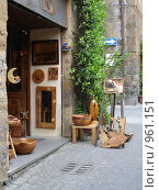 Италия, Орвиетто, лавка мастера работ по дереву (2007 год). Редакционное фото, фотограф Евгения Кускова / Фотобанк Лори