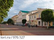 Купить «Улица Советская в Оренбурге», эксклюзивное фото № 970127, снято 30 июня 2009 г. (c) Кучкаев Марат / Фотобанк Лори