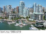 Купить «Плотная застройка даунтауна города Ванкувера», фото № 980619, снято 1 июля 2009 г. (c) Олеся Ефименко / Фотобанк Лори