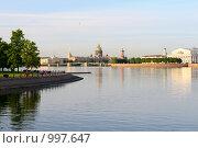 Купить «Акватория реки Невы», фото № 997647, снято 1 июля 2009 г. (c) Vladimir Kolobov / Фотобанк Лори