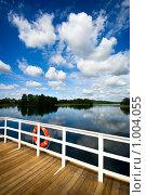 Купить «Спасательный круг на леере», фото № 1004055, снято 6 июля 2009 г. (c) Алексей Лебедев / Фотобанк Лори