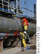 Купить «Спасатели на промышленном предприятии», фото № 1014123, снято 7 мая 2009 г. (c) Евгений Батраков / Фотобанк Лори