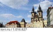 Купить «Символ Праги - Тынский Собор на Староместской площади», фото № 1016827, снято 14 августа 2008 г. (c) Светлана Кудрина / Фотобанк Лори