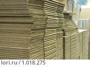 Купить «Стопка картона», фото № 1018275, снято 24 июля 2009 г. (c) Григорьева Любовь / Фотобанк Лори