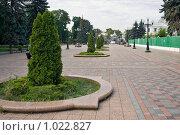 Купить «Киев, вид на площадь перед Мариинским дворцом», эксклюзивное фото № 1022827, снято 3 июля 2009 г. (c) Алексей Котлов / Фотобанк Лори
