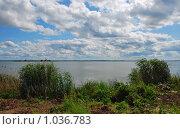 Купить «Ростов Великий. Озеро Неро», эксклюзивное фото № 1036783, снято 11 июля 2009 г. (c) lana1501 / Фотобанк Лори