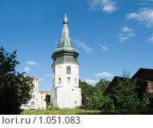 Купить «Башня ратуши 1470-е г. Выборг», эксклюзивное фото № 1051083, снято 22 августа 2009 г. (c) Александр Щепин / Фотобанк Лори