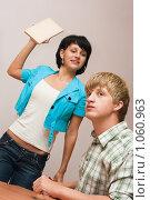 Купить «Я заставлю тебя учиться!», фото № 1060963, снято 20 августа 2009 г. (c) Оксана Гильман / Фотобанк Лори