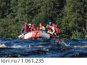 Купить «Рафтинг. Река Шуя, Карелия.», фото № 1061235, снято 21 августа 2009 г. (c) Владимир Трифонов / Фотобанк Лори