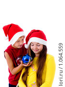 Купить «Дети в новогодних колпаках», фото № 1064559, снято 12 августа 2009 г. (c) Анна Игонина / Фотобанк Лори