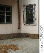 Купить «Угол старого дома», фото № 1083051, снято 10 сентября 2009 г. (c) Зуев Андрей / Фотобанк Лори