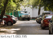Купить «Автомобили», фото № 1083195, снято 10 сентября 2009 г. (c) Сергей Лаврентьев / Фотобанк Лори