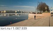 Купить «Весенняя Нева. Санкт-Петербург», эксклюзивное фото № 1087939, снято 22 апреля 2009 г. (c) Александр Алексеев / Фотобанк Лори