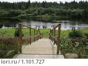 Купить «Мостки к реке», фото № 1101727, снято 14 августа 2009 г. (c) Удодов Алексей / Фотобанк Лори
