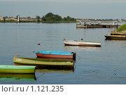 Купить «Лодки на реке», фото № 1121235, снято 5 августа 2009 г. (c) Андрей Лабутин / Фотобанк Лори