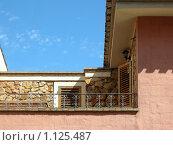 Купить «Элемент здания, балкон», фото № 1125487, снято 19 сентября 2009 г. (c) Neta / Фотобанк Лори