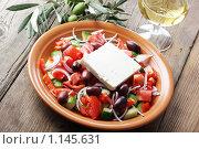 Купить «Греческий салат», фото № 1145631, снято 20 апреля 2019 г. (c) Stockphoto / Фотобанк Лори